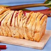 chlebek odrywany z rabarbarem