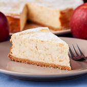 kremowy sernik z jabłkami